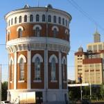 Старина и современность. Водонапорная башня.
