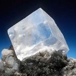 Кристал поваренной соли