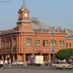 Современное здание в старинном стиле