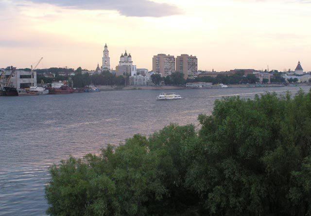 Вид на Астрахань с реки