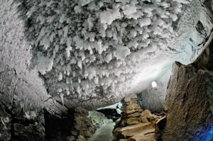 Кунгур: ледяная пещера
