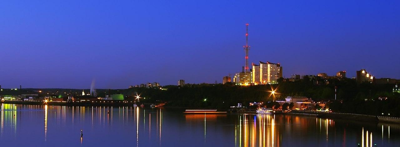 Пермь: речной вокзал и «Паруса над Камой»