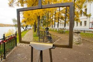 Плёс: художник пишет картину